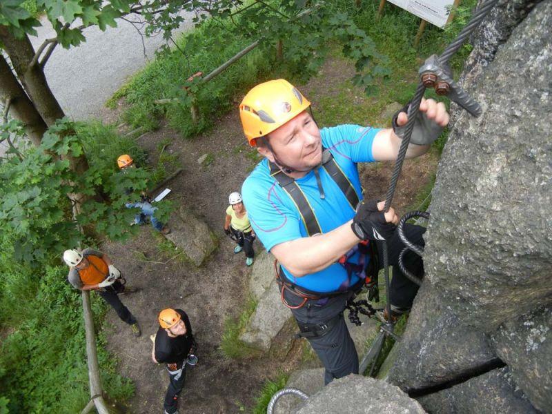 Klettersteigset Anlegen : Edelrid cable compact klettersteigset produkttest climbing